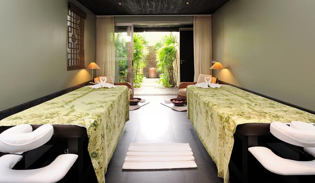 3 - Pavilions Phuket - Spa Pool Pavilions - Spa Room