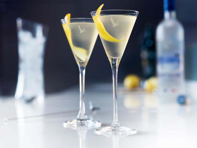 GREY-GOOSE---Cocktail-Dry-Martini-HDBD