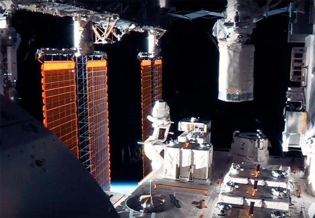 DEDICATE-DIGITAL_YUKSEK_THOMAS-PESQUET_ISS_00