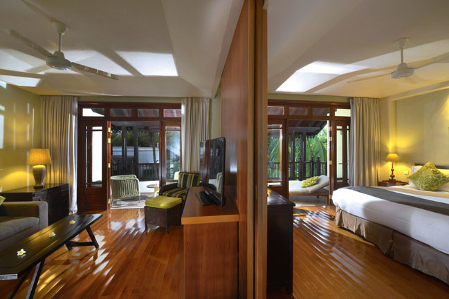 11 - Sofitel Mauritius L'Imperial Resort & Spa - Family Suite with the sliding partition