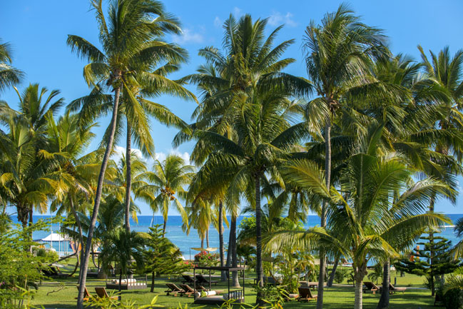 19 - Sofitel Mauritius L'Imperial Resort & Spa - Garden overlooking the sea