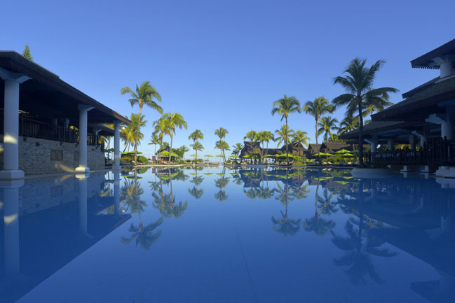 40 - Sofitel Mauritius L'Imperial Resort & Spa - Pool Overlooking sea