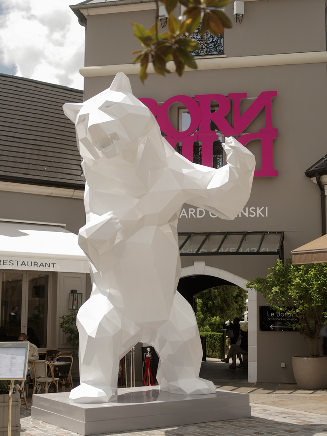 DEDICATE-DIITAL_©-Richard-Orlinski-Standing-Wild-Bear